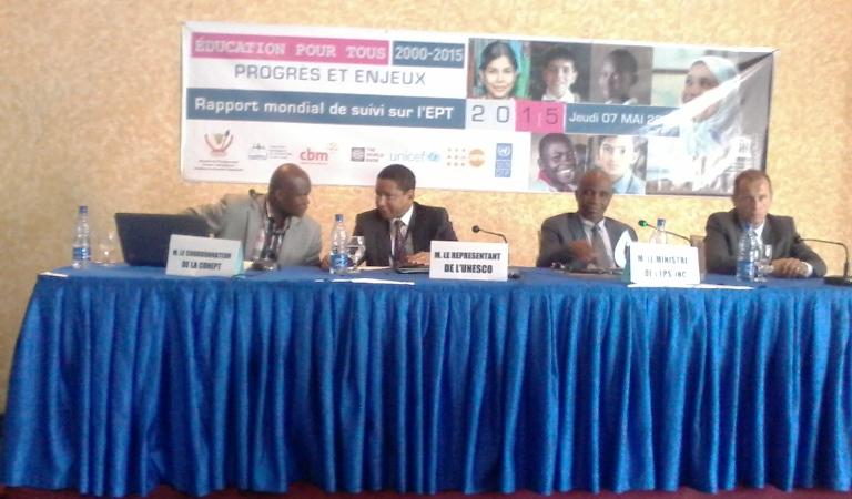 Vue des principaux orateurs au lancement du Rapport Mondial 2015 de suivi de l'EPT