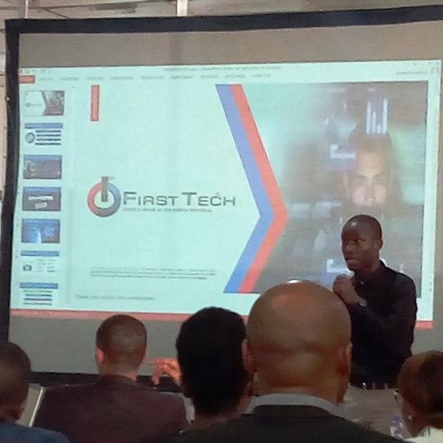 Pharel Mayimbi présentant First Tech (Photo Adiac)