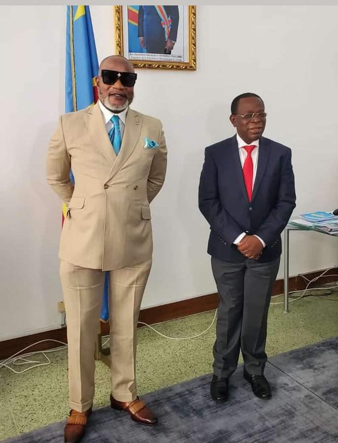 Koffi Olomide et le sénateur Bahati Lukwebo en bonne entente (DR)