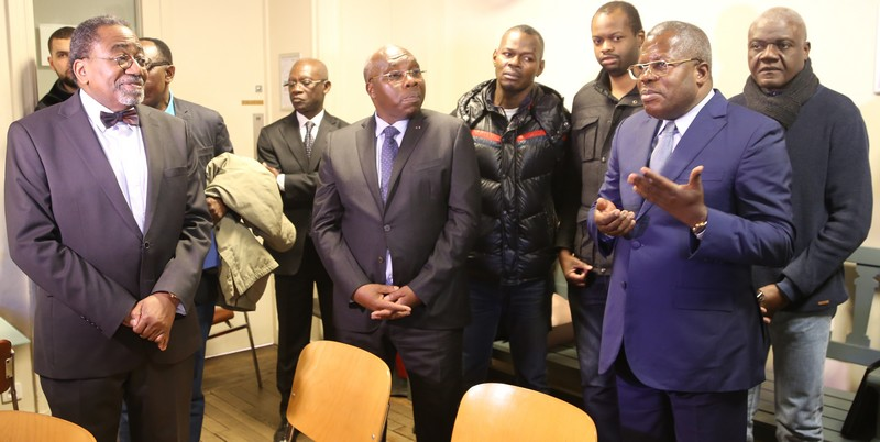Ambassade du Congo en France une des séances d'explication de la procédures de l'obtention du passeport à Paris