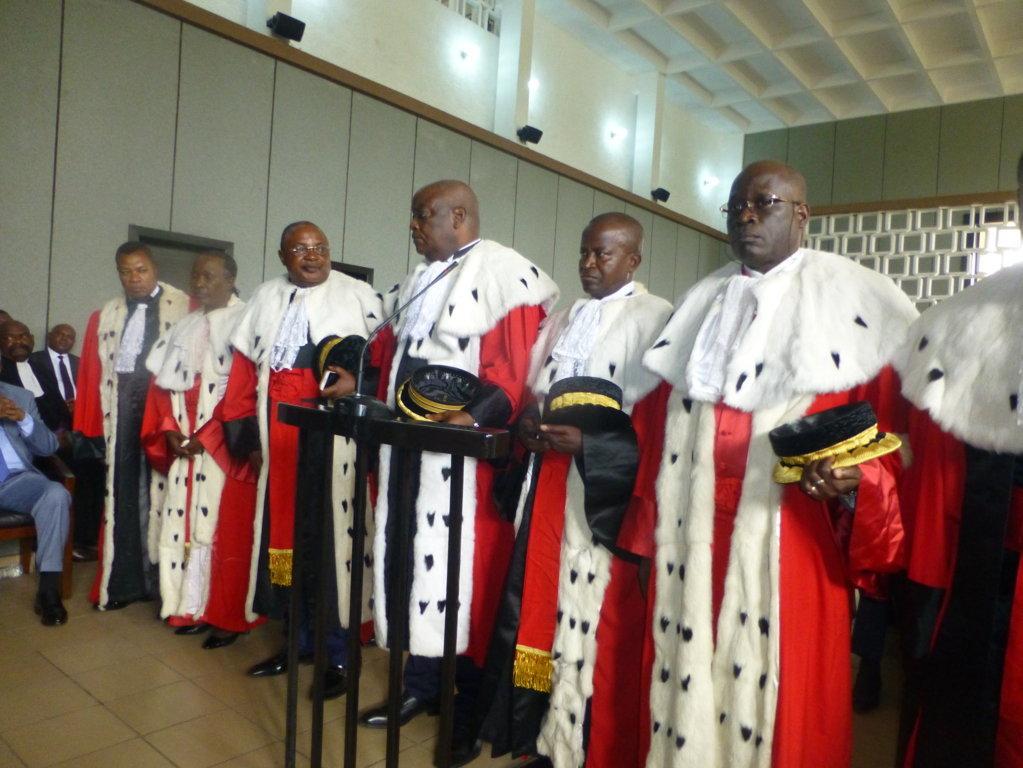 Cour supr me les nouveaux membres pr tent serment for Haute juridiction