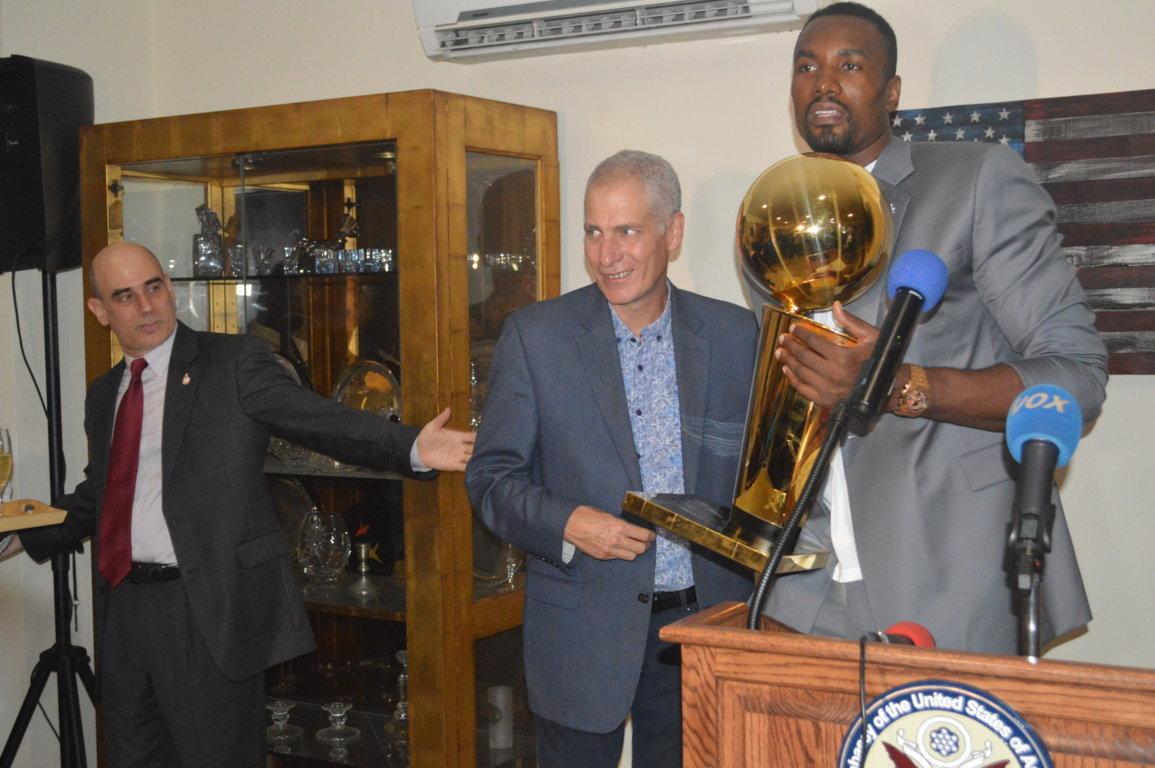Champions NBA 2019 : Serge Ibaka ramène la coupe à la maison   adiac-congo.com : toute l'actualité du Bassin du Congo