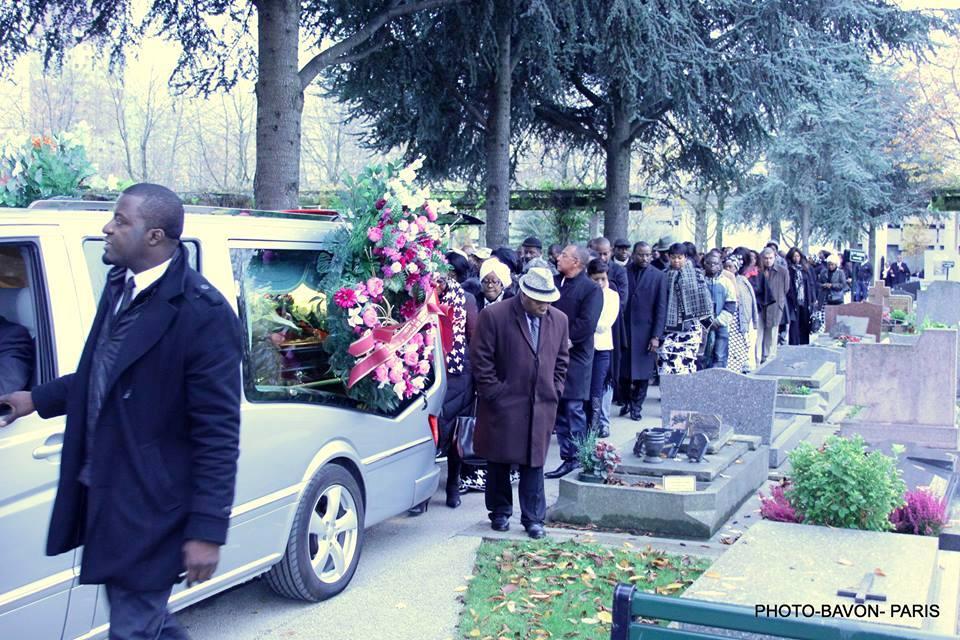 Cortège funèbre de Marie-Josée Mathey en sa dernière demeure au Cimetière municipal de Puteaux