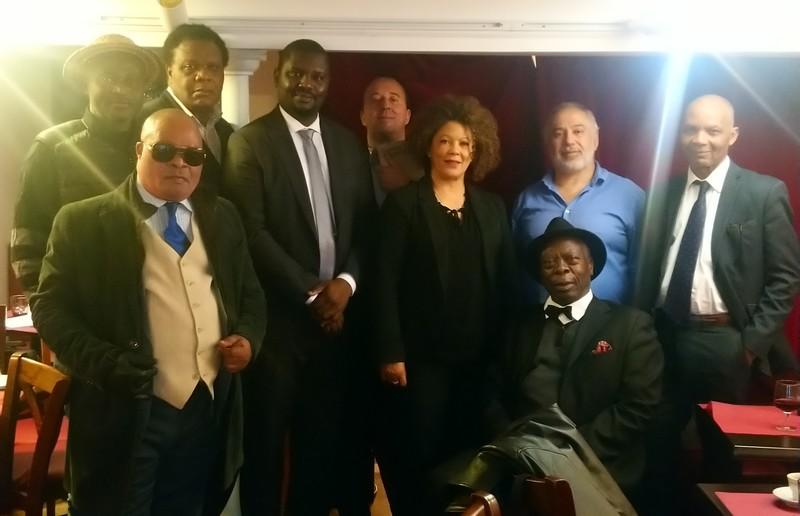 ARC photo de groupe à l'issue de la réunion du 10 octobre 2020 chez Mario Restaurant Portobello Paris 18ème en France